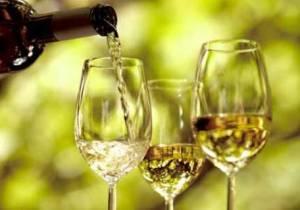 Semana-Santa-Beneficios-y-calorías-de-los-diferentes-tipos-de-vino-blanco